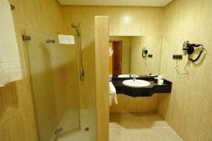 baño habitacion doble twin hotel lozano